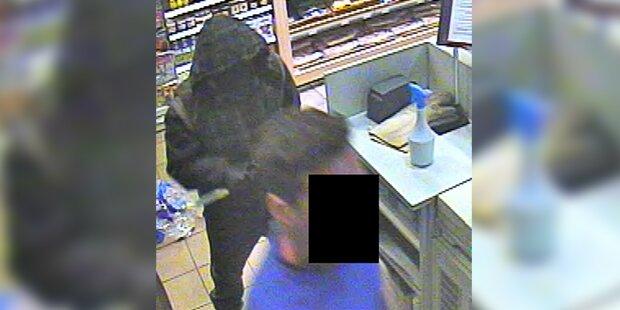 Maskierter Messer-Mann überfällt Tankstelle in Hallein