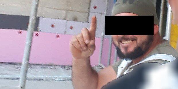 Hier macht der Killer den Islamisten-Gruß
