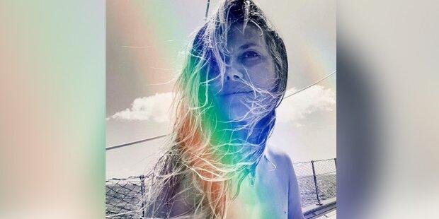 Nippelblitzer: Heidi Klum lässt die Hüllen fallen