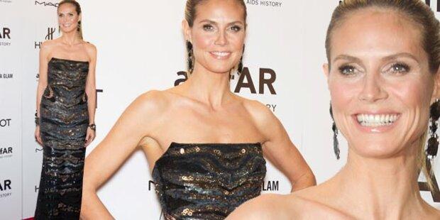 Heidi Klum strahlend bei amfAR-Gala