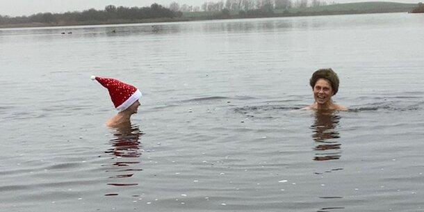 Grün-Politikerin geht bei 6 Grad nackt baden