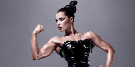 Serbische Bodybuilderin modelt für MAC