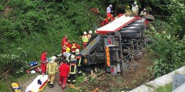 Unfall in Tirol: Zwei Schwerverletzte bei Lkw-Kollision
