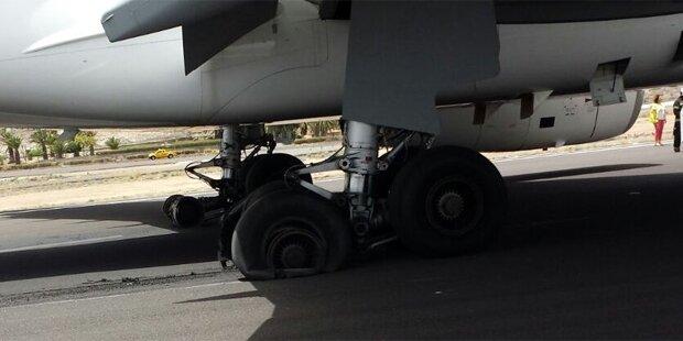 Flugzeug-Reifen explodieren bei Landung