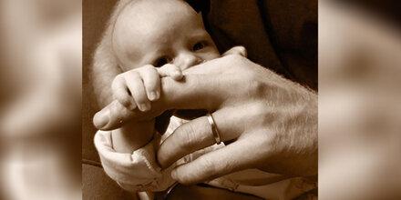 Meghan & Harry zeigen neues Foto von Baby Archie