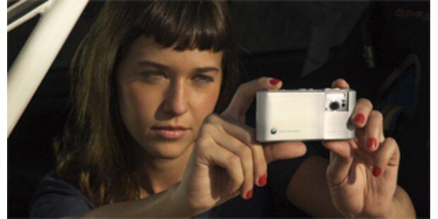 Erstes Handy mit integrierter 8 Megapixel Digicam