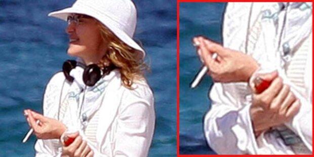 Zigarette: Fitnessfreak Madonna erwischt