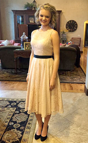 Ist dieses Kleid zu anstößig für einen Schulball?