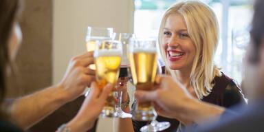 Warum Bier gesünder ist als Wein & Cola