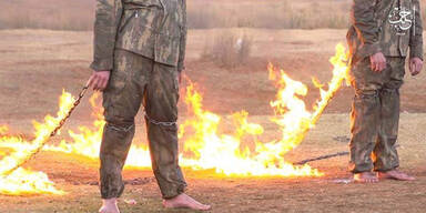 ISIS-Terroristen verbrennen türkische Soldaten