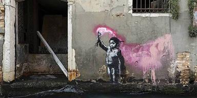 Banksy reklamiert weiteres Kunstwerk in Venedig für sich