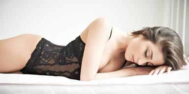 Bauchschläfer haben öfter erotische Träume