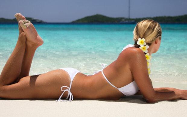 Frauen sagen Urlaub wegen Figur-Komplexen ab