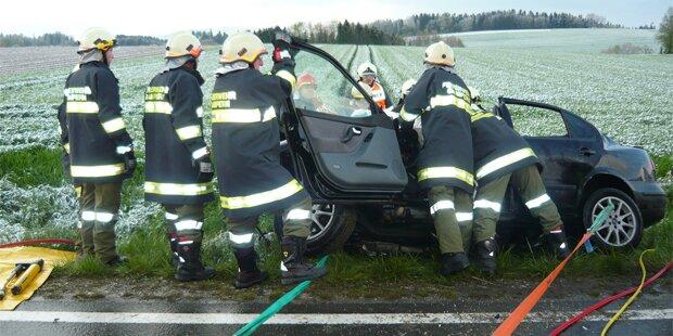 Zwei Tote bei Horror-Crash mit Rettungswagen