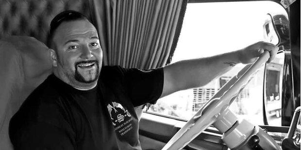 Trauer um Kult-Trucker: DMAX-Star Schubert ist tot