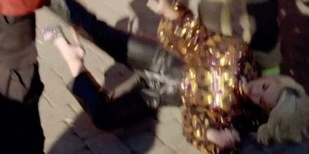 Katy Perry bricht vor laufender Kamera zusammen