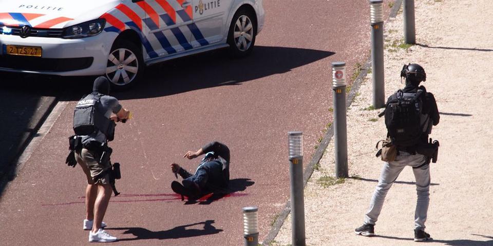 Polizei stoppt Messerattentäter in Den Haag