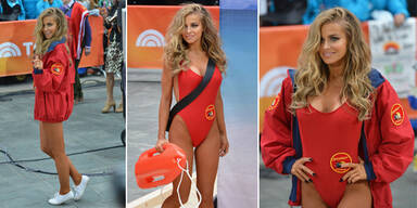 Carmen Electra zurück im Baywatch-Outfit