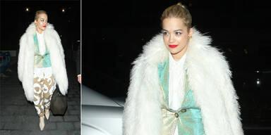 Rita Ora im Eisbär-Look