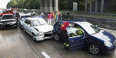 Massen-Crash auf A1-Westautobahn