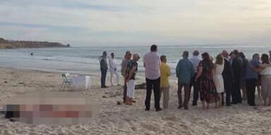 SIE crasht eine Traumhochzeit am Strand