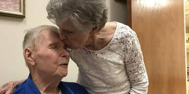 Nach 65 Jahren: Paar stirbt Hand in Hand