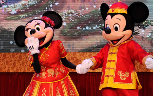 Lanvin kleidet Minnie Maus ein