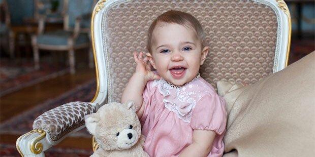 Süße Leonore ist schon ein Jahr alt