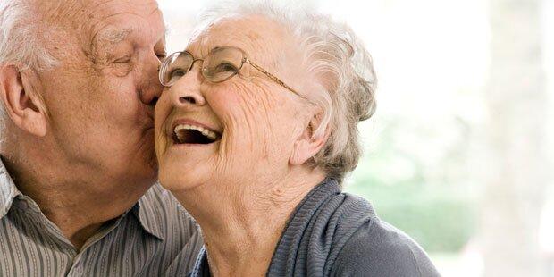 Alte Menschen heutzutage schlauer