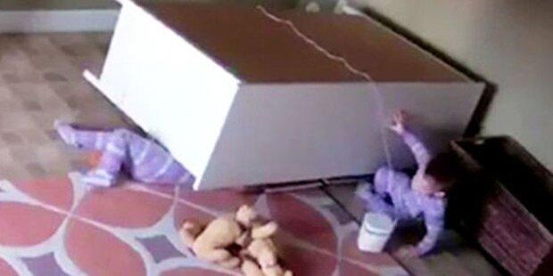 2-Jähriger rettet seinen Zwillingsbruder