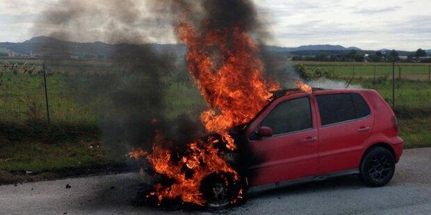 Flammen-Inferno auf A1: Auto fing plötzlich Feuer