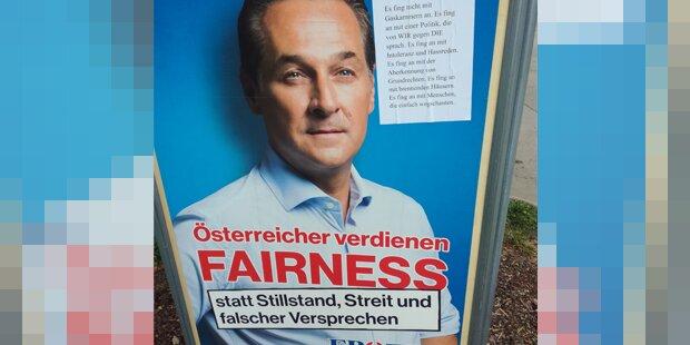 Dutzende FPÖ-Plakate mit dieser Protest-Botschaft beklebt
