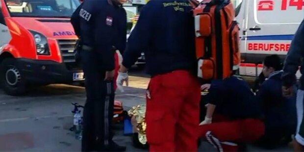 Frau mit Kinderwagen von Auto gerammt: Bub (1) schwer verletzt