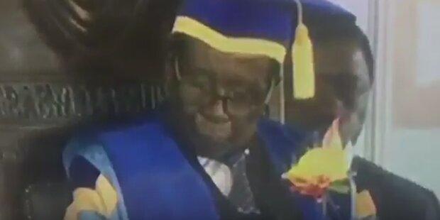 Mugabe schläft bei 1. Auftritt nach Putsch ein