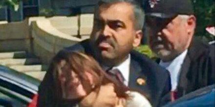 Opfer von Erdogans Prügel-Security fahndet nach Peiniger