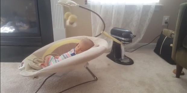 Baby Schaukel Mixer