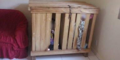 Unfassbar: Zwillinge (3) in Käfig eingesperrt