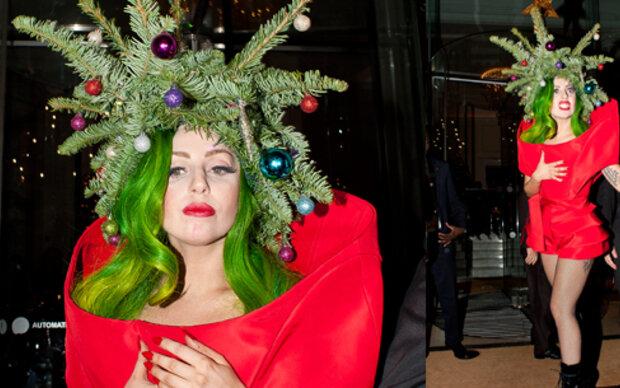 Lady Gaga als lebendiger Weihnachtsbaum