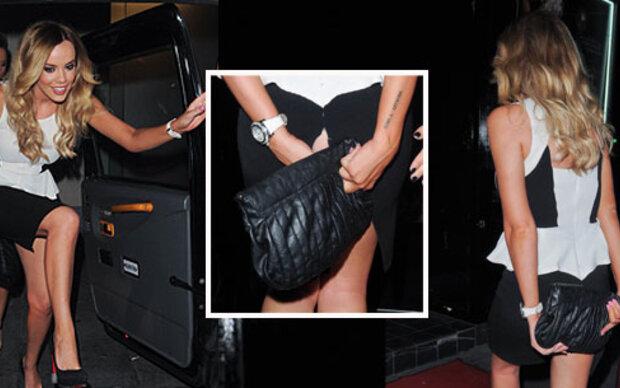 Peinlicher Kleid-Platzer liefert tiefe Einblicke