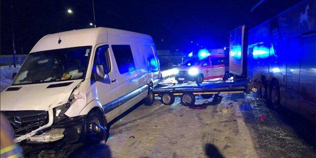 Serienunfall auf A4: Mehrere Verletzte