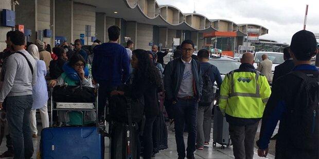Alarm in Paris: Flughafen-Terminal evakuiert