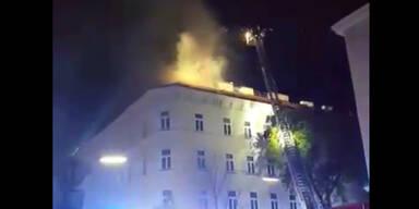 Nächtlicher Großbrand auf Wiener Dachterrasse