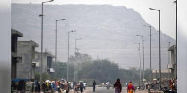Berg von Ghazipur Mülldeponie Neu-Dehli