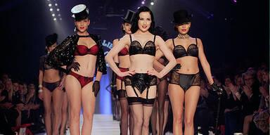 Dita Von Teese- Lingerie Fashion Show 2012