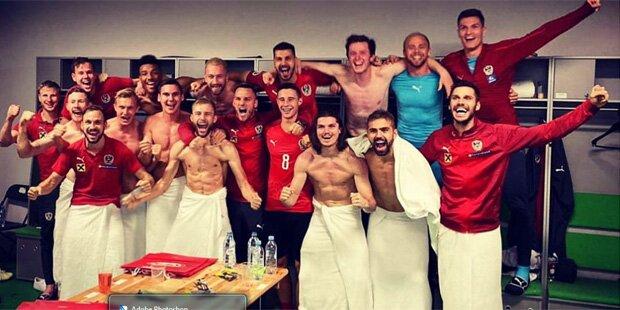 ÖFB-Stars feiern nach Sieg Kabinenparty