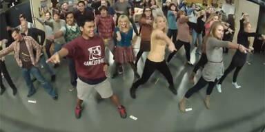 The Big Bang Theorie Flash mob!