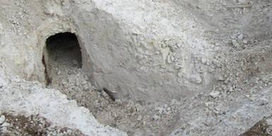 Forscher finden Tunnel - und entdecken Unglaubliches