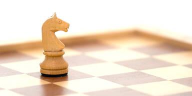 Forscher finden 500 Jahre alte Schachfigur - und entdecken etwas Unglaubliches