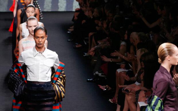 Dior Couture holt zum Befreiungsschlag aus