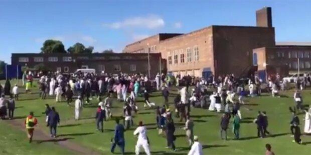Newcastle: Auto rast in Menschenmenge